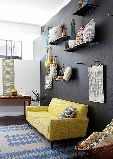 żółta sofa