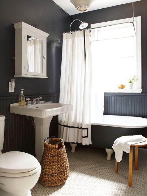 bialo-czarna łazienka
