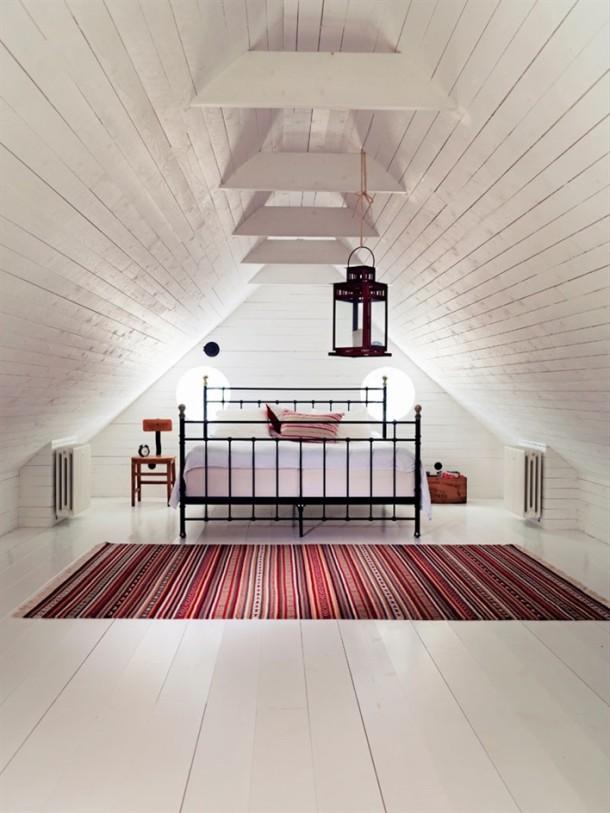 klimatyczna sypialnia pod skosami