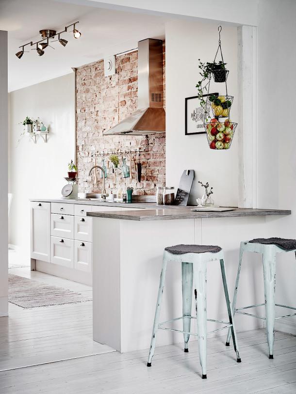 stołki w kuchni