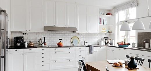 biała kuchnia z jadalnią