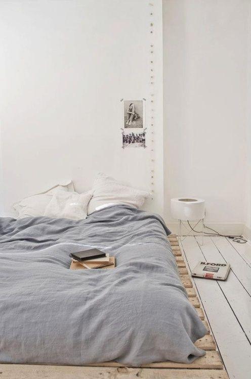 łóżko na paletach